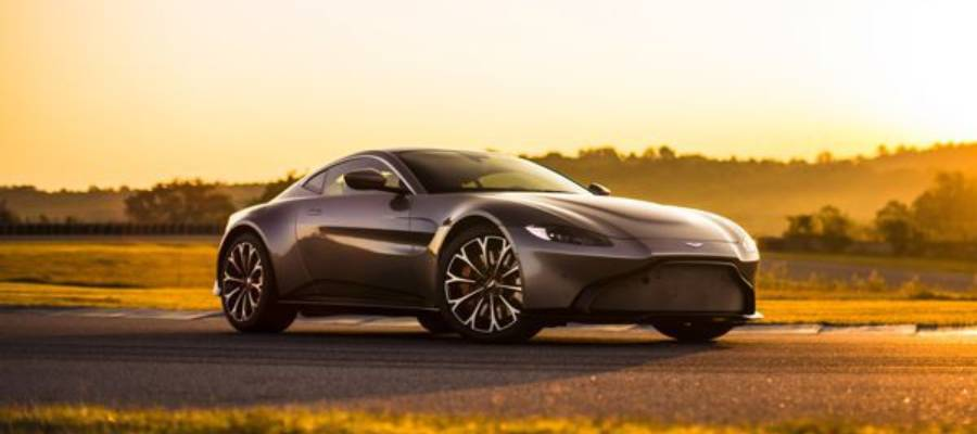 All-new, Hardcore Aston Martin Vantage Unveiled